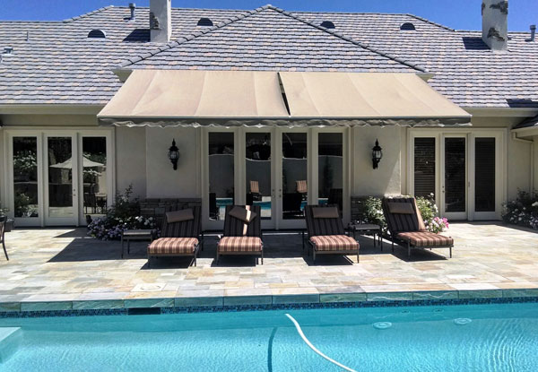 Retractable fabric awnings san diego county ca window for Shade cloth san diego